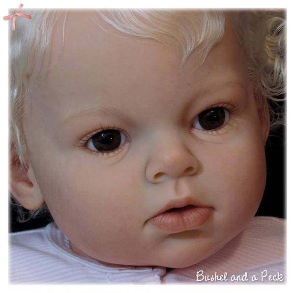 7.6 Arianna awake Doll Kit