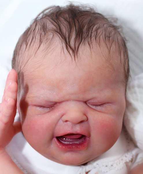 """Maria """"Baby's First Cry"""" von Sabrina Hergarten"""