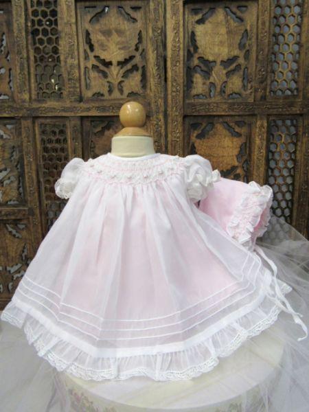 16558 Süßes rosa-weißes Kleidchen mit Käppchen